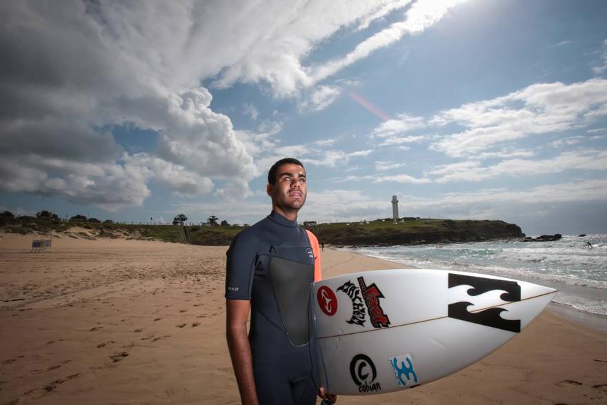 Nascut orb, Derek Rabelo a devenit un surfer profesionist (4)