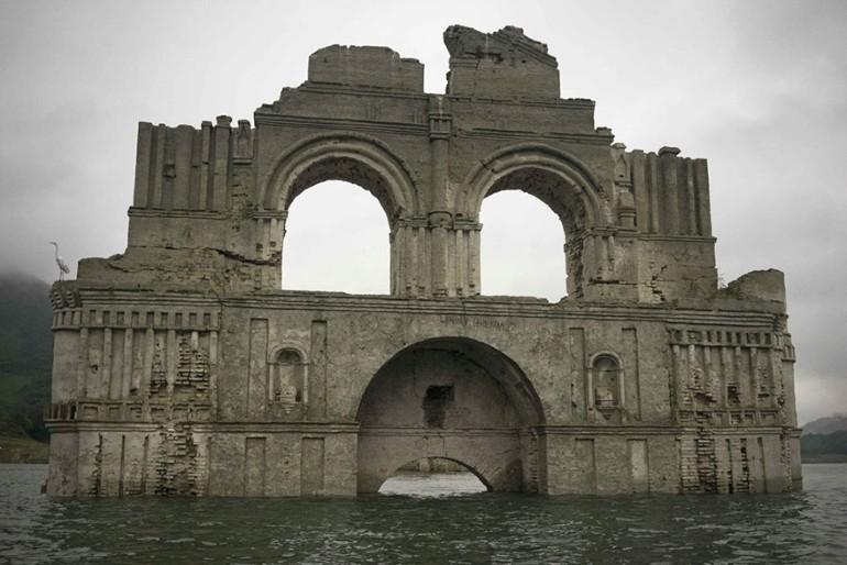 Biserica Veche De 400 de Ani A iesit La Vedere Din Apele Unui Lac Din Mexic (2)