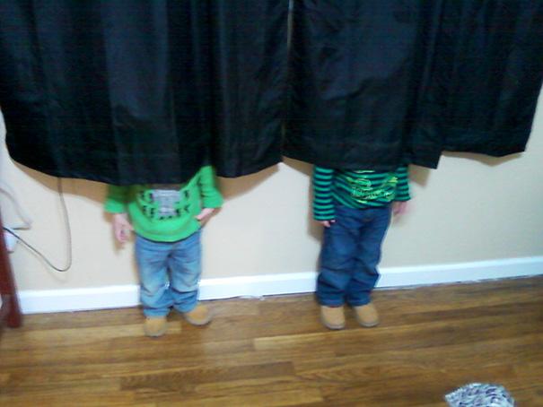 Copiii, Maestri Ai Jocului De-a V-aţi Ascunselea (1)