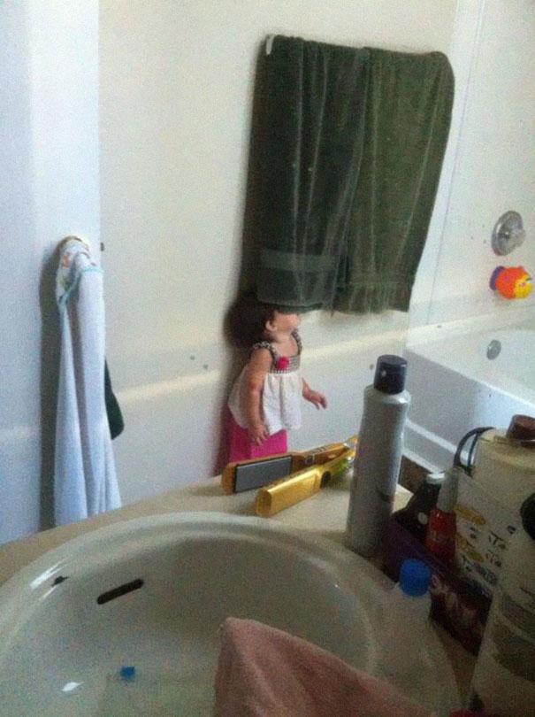 Copiii, Maestri Ai Jocului De-a V-aţi Ascunselea (10)
