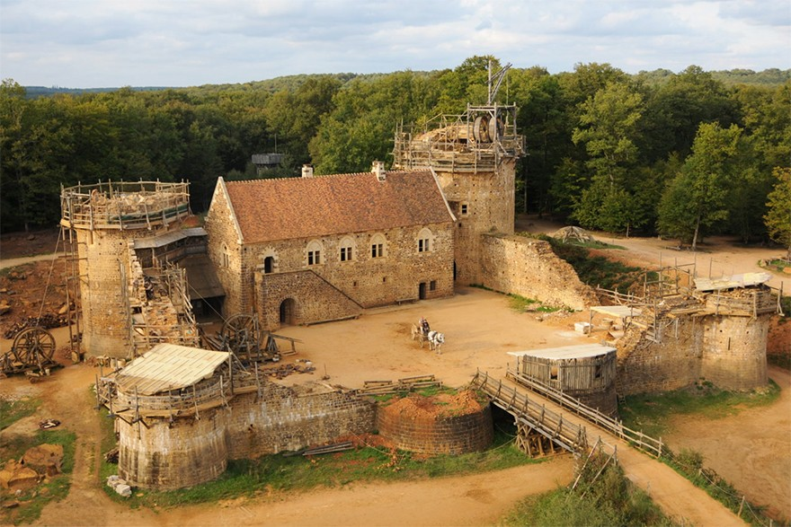 Castel Medieval Construit Azi Cu Tehnici Si Materiale Din Sec. XIII