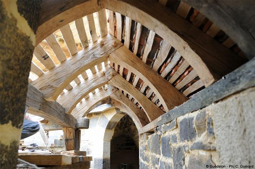 Castel Medieval Construit Azi Cu Tehnici Si Materiale Din Sec. XIII 9