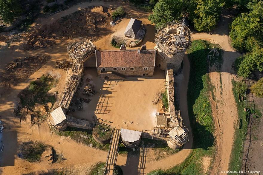 Castel Medieval Construit Azi Cu Tehnici Si Materiale Din Sec. XIII 18