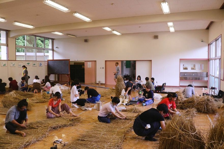 Animale Gigantice Din Paie de Orez Realizate De Studentii Unei Universitati Din Japonia 6
