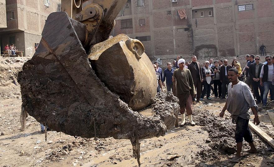 O Statuie Veche De 3000 De Ani Reprezentand Pe Ramses Al II-lea Descoperita In Egipt 7