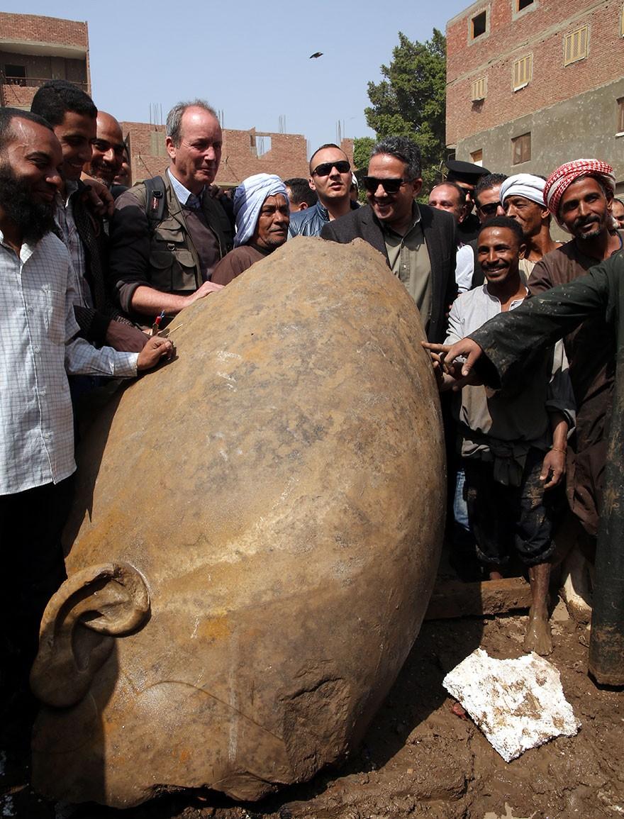 O Statuie Veche De 3000 De Ani Reprezentand Pe Ramses Al II-lea Descoperita In Egipt 8